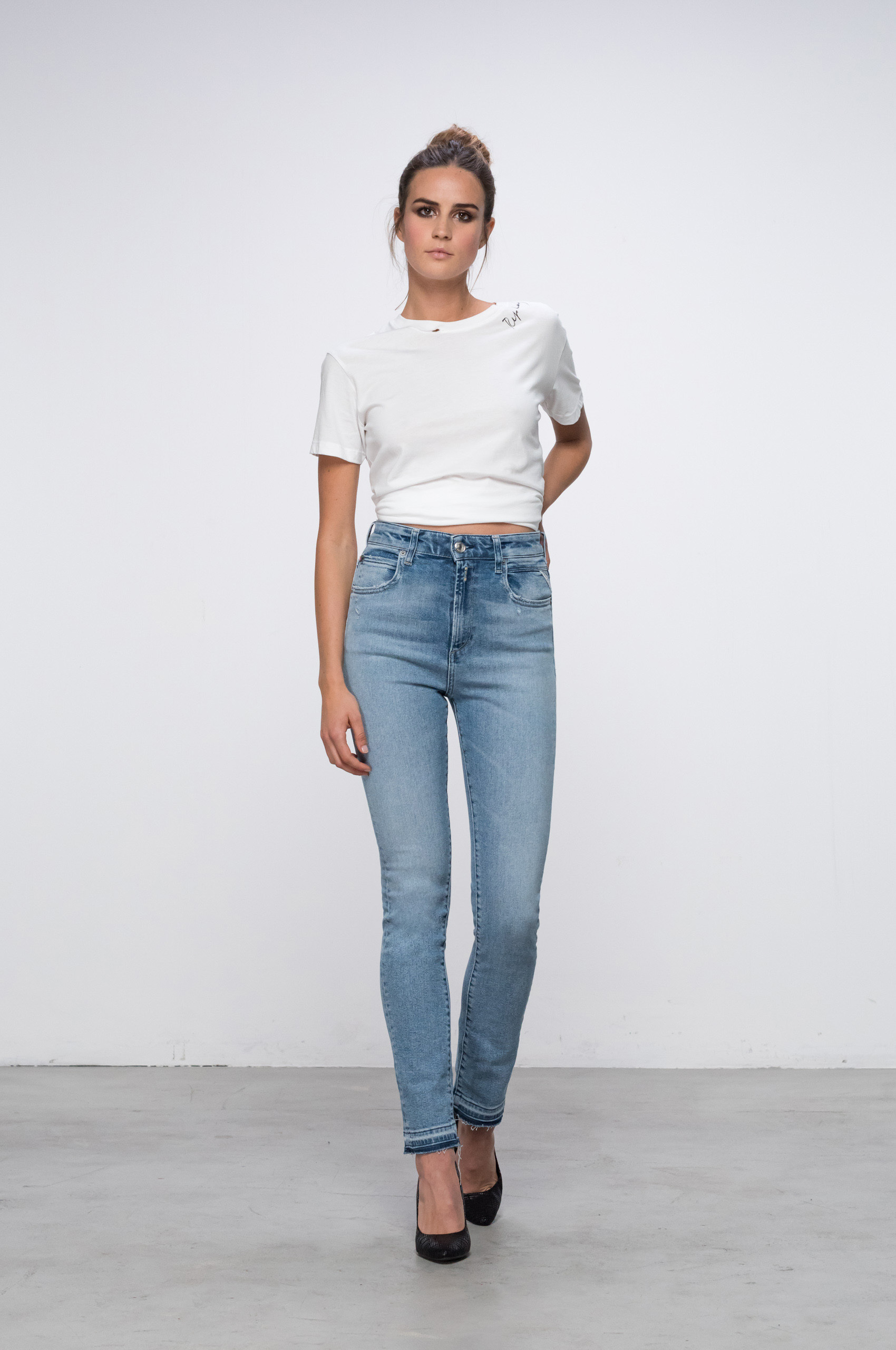 slim jeans fit guide women